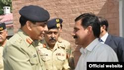 جنرل کیانی نے ملالہ یوسف زئی کے والد سے ملاقات کی