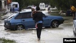 Ðường phố Krymsk ở miền nam Nga ngập lũ, ngày 7 tháng 7, 2012