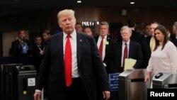 Donald Trump avugana n'abanyamakuru mu nama y'ishirahamwe mpuzamakungu ONU i New York uyu munsi.