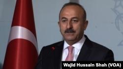 Le chef de la diplomatie turque, Mevlüt Cavusoglu, en visite au Pakistan, le 2 août 2016.