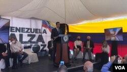 Juan Guaidó en rueda de prensa en la sede de la Federación Médica de Caracas, Venezuela, el 5 de noviembre de 2020. [Foto: VOA/Álvaro Algarra].