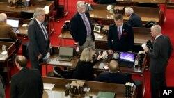 Los legisladores en Carolina del Norte fueron convocados a una sesión especial el miércoles, 23 de marzo de 2016.