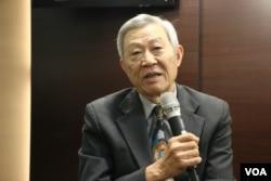 台湾淡江大学中国大陆研究所荣誉教授赵春山(美国之音杨明拍摄)