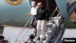 2018年10月15日美国总统特朗普抵达佛罗里达视察飓风灾情