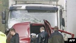 Xe van chở các công nhân hái trái cây đã đụng phải một chiếc xe tải ở làm thiệt mạng tất cả 18 người trên xe