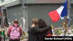 یادبود قربانیان حادثه تروریستی پاریس