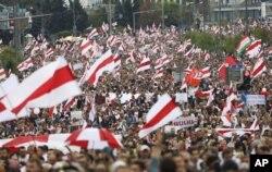 白俄羅斯抗議者在明斯克集會。(2020年9月6日)