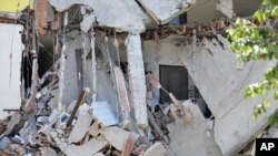 29일 강진으로 붕괴된 이탈리아 북서부 지역의 가옥.