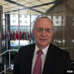 美国国务院主管国际宗教自由事务无任所大使戴维·萨珀斯坦(David Saperstein)