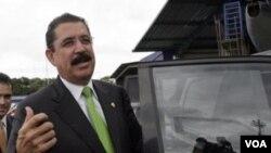 El depuesto presidente de Honduras, Manuel Zelaya, dijo que no aceptara volver al poder porque validaría las elecciones.