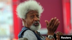 Nobel Laureate Wole Soyinka speaks to pupils during a mentoring session at the Lagos Book and Art Festival, Nov. 15, 2014. Soyinka was the first African writer to win the Nobel Prize for literature.