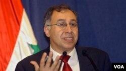 Dr. Laith Kubba – Direktur National Endowment for Democracy, salah seorang pembicara diskusi panel di Washington, DC.