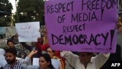 د خبریالانو نړیوال تنظیمونه پاکستان د صحافیانو او مطبوعاتو دپاره په خطرناکو ملکونو کې شماري