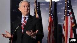 Thượng nghị sĩ Cộng hòa Jeff Sessions tỏ vẻ không tin siêu ủy ban có thể giải quyết vấn đề nợ nần quan trọng của quốc gia