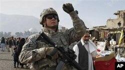 هلاکت دو سرباز ناتو در نتیجۀ انفجار ماین کنار جاده