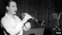ap-artie-shaw-se-300-12may12