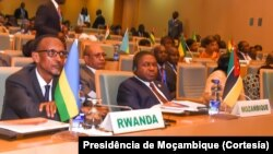 Paul Kagame e Filipe Nyusi, presidentes do Ruanda e Moçambique