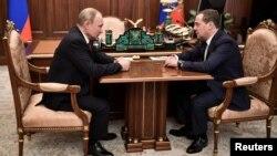 Sastanak Vladimir Putina i Dmitrija Medvedeva u . Moskvi (Foto: Reuters/Sputnik/Alexey Nikolsky)