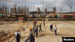 Arxiv fotosu-Samarada Kosmos stadionunun inşası