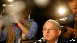 Nelson Jobim, ministro de Defensa de Brasil, aseguró que la región debe impulsar la industria militar para no depender de otras naciones que se lucran con la venta de armas.