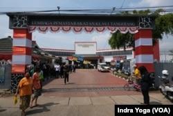 Lapas 1 Tangerang mengalami kebakaran pada 8 September 2021 pukul 01.45 wib. Setidaknya 41 warga binaan lapas dinyatakan meninggal dunia akibat insiden ini. (Foto: VOA/Indra Yoga)