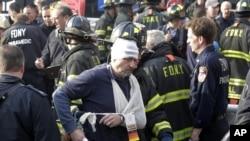 纽约渡轮撞上码头,数十人受伤