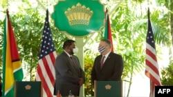 美國國務卿蓬佩奧與圭亞那總統阿里在喬治敦聯合舉行記者會。 (2020年9月18日)