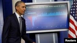 Barack Obama anunció medidas para fortalecer la transparencia financiera y combatir el lavado de dinero y la evasión fiscal.