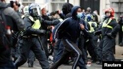 Londra- Avrupa kentlerinde de geride bıraktığımız hafta sonu protesto gösterileri yaşandı