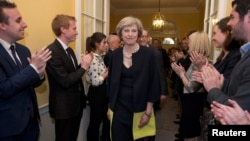Tân Thủ tướng Anh Theresa May tại Điện Buckingham, London, ngày 13/7/2016.