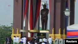 Tượng cố quốc vương Norodom Sihanouk