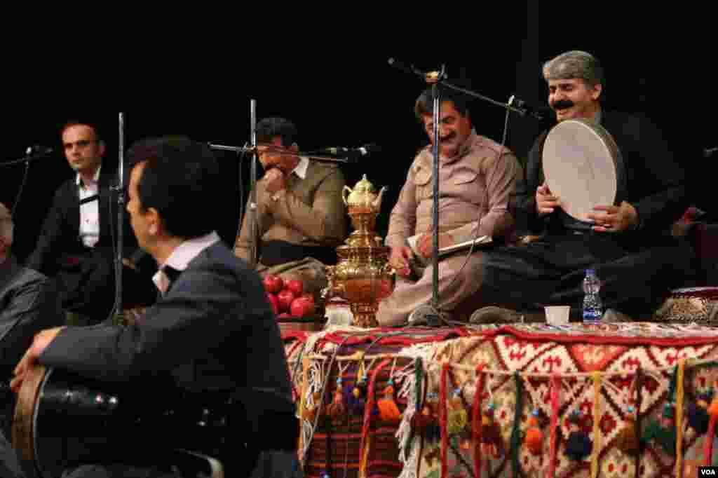 جشن موسیقی کهن کردستان در سنندج عکس: الهام امی (ارسالی شما)