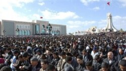 روز جمعه، هزاران تظاهر کننده در تجمعی در شهر تونس خواهان استعفای محمد الغنوشی نخست وزیر موقت و تغییراتی در دولت شدند
