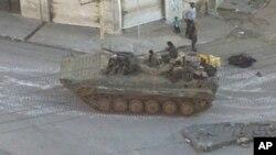 叙利亚军队的坦克在大马士革的一个街区