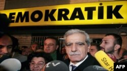 احمت ترک، رییس حزب جامعه دمکراتیک