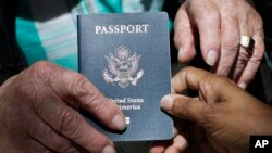 Un passeport américain (Photo AP)