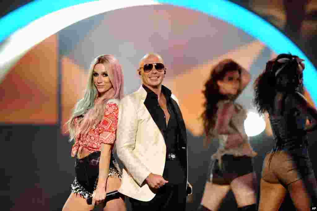 Ke$ha û Pitbull
