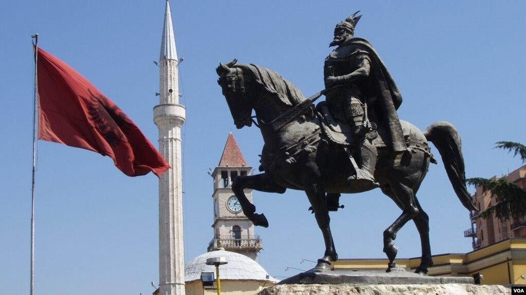 Tirana përshendet miratimin e ligjit për gjuhët