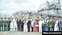 Tàu sân bay USS Theodore Roosevelt trong chuyến thăm Việt Nam kéo dài 5 ngày vào đầu tháng 3/2020. Photo: US Embassy Hanoi.