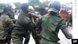 Les forces de sécurité à l'oeuvre le 28 septembre 2009