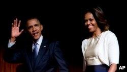 """La biblioteca y museo representa un monumento al legado del primer presidente afroestadounidense y generará millones de dólares de ingresos a la ciudad, a su """"vecindario"""" como llama la pareja presidencial."""