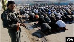 El país aprobó una ley este mes prohibiendo las reuniones religiosas en instituciones estatales en un esfuerzo por acabar con el extremismo religioso.