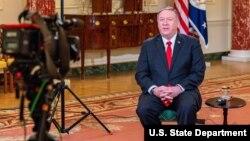 روز یکشنبه وزیر خارجه آمریکا با چند شبکه تلویزیونی جداگانه گفتگو کرد.