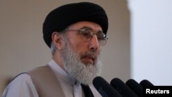 Gulbiddin Hikmatyor, sobiq jihodchi, uzoq yillar Eronda yashab, yaqinda vatanga qaytgan siyosatchi