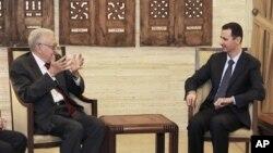 Tân đặc sứ Liên hiệp quốc-Liên đoàn Ả Rập, ông Lakhdar Brahimi, hội kiến Tổng thống Syria Bashar al-Assad, ngày 15/9/2012.