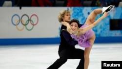 美國的戴維斯與懷特星期一榮獲索契冬奧會冰舞金牌