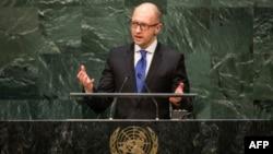 25일 미국 뉴욕에서 열린 유엔총회에서 아르세니 야체뉵 우크라이나 총리가 연설하고 있다.