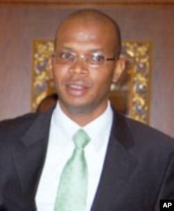 Januari Makamba, mwenyekiti wa kamati ya bunge la Tanzania ya madini na nishati