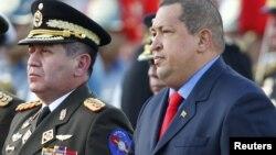En Venezuela no se toman decisiones sin consultar con el presidente Hugo Chávez.