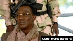 Mokonzi ya Tchad Maréchal Idriss Itno awei nsima na koza masasi, awe na elili ya le 15 avril 2006.